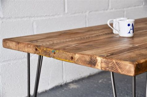 Der Couchtisch Aus Holzmodern Reclaimed Wood Coffee Tables With A Unique Style by Reclaimed Coffee Table Industrial Rustic Vintage Scaffold