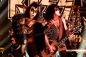 See Kiss Perform At L A  U0026 39 S Whisky A Go Go