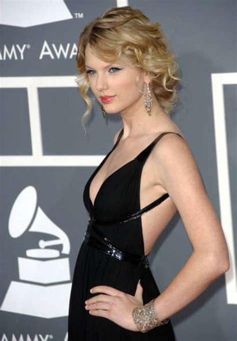Taylor Swift Hot And Sexy Bikini Style & Tour Photos
