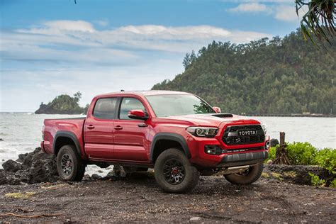 Toyota Tacoma Road by 2017 Toyota Tacoma Trd Pro Road Review Motor Trend
