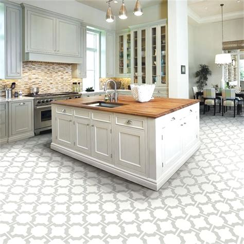 ideas for kitchen floor best 25 tile floor kitchen ideas on tile