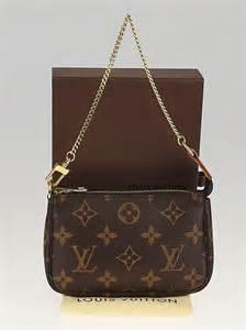 louis vuitton monogram canvas mini accessories pochette bag yoogis closet