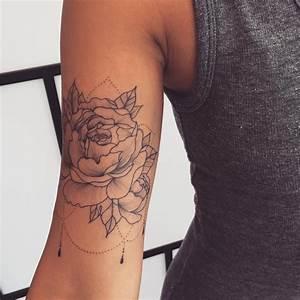 Tatouage Trait Bras : tatouage bras fleur f minin trait fin tattoo tatouage femme tatouage et tatouage rose ~ Melissatoandfro.com Idées de Décoration