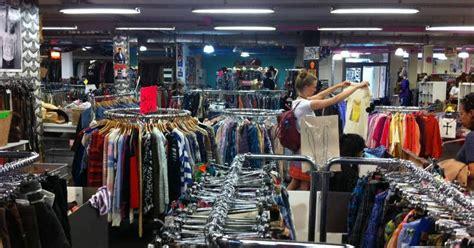 Kleidermarkt Garage, 2nd Hand Per Kilo • Dressmeguideme