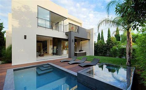 ordinary modern house la jolla residence  la