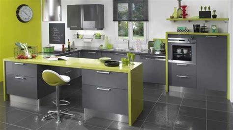lapeyre plan de travail cuisine peinture de cuisine comment faire entrer la couleur