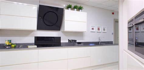 Nolan Kitchens   Linear Gloss Kitchen