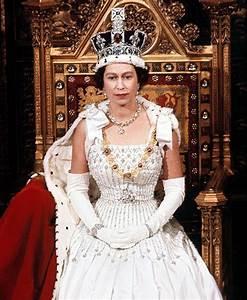 Happy 92nd Birthday, Queen Elizabeth! See photos of ...