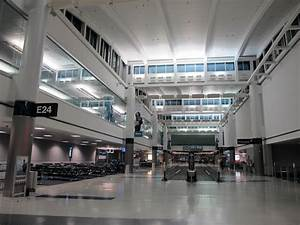Houston IAH Airport Continental / United Terminal E