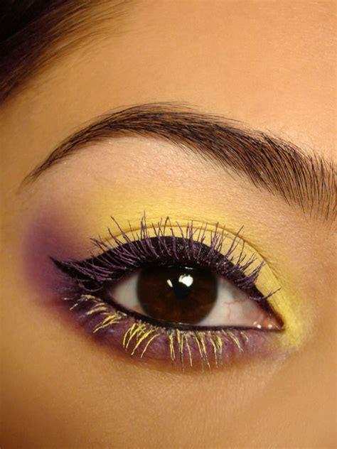 ways  teach    apply colored mascara pretty