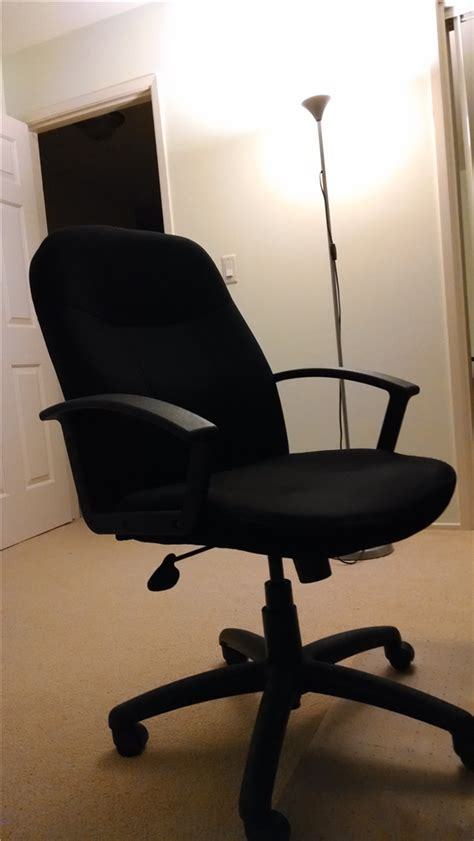 Squeaky Office Chair by Fixing A Squeaky Desk Chair Thoughtworthy
