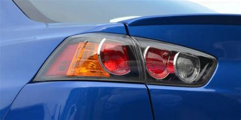 why do cops tap tail light why does a policeman touch a tail light car humor