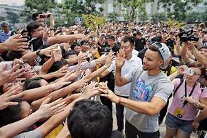 2017 Stephen Curry Asia Tour Leaves Hangzhou for Seoul ...