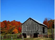 Beautiful Barns of Autumn Living Country