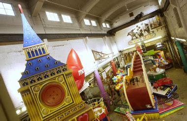 macys  move parade float warehouse   hoboken njcom