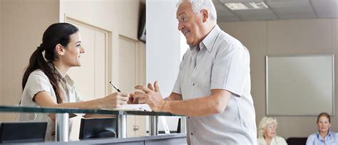 Qual A Melhor Maneira De Recepcionar O Paciente Na Sala De