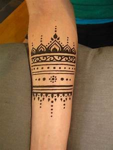 Gorgeous simple arm henna tattoo | Tatoo | Pinterest | Kreativ