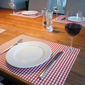Set De Table Design : sets de table papier vichy rouge pa design absolument design ~ Teatrodelosmanantiales.com Idées de Décoration