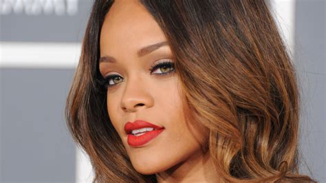 rihanna nude new photo gallery and videos