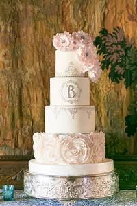 Pink Invitation 35 Fabulous Winter Wedding Cakes We Love Deer Pearl Flowers