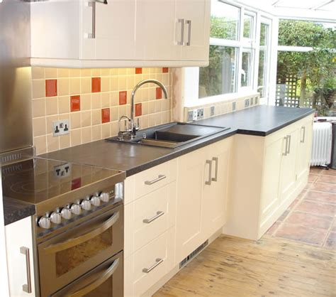 Kitchens With High Gloss Floor Tiles, Cream Kitchen Tiles