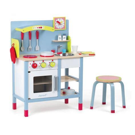 cuisine en bois vertbaudet ma sélection de cuisine enfant en bois 30 jolies
