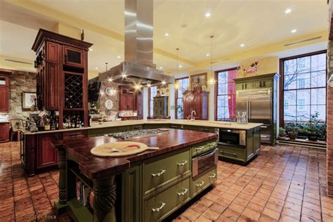 upper east side mansion  pricey pads
