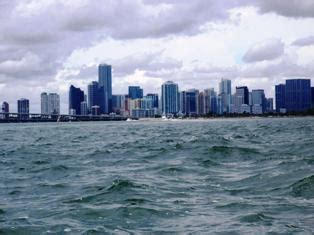 Miami Boat Party Columbus Day Weekend by Boat Sinks Dumping Columbus Day Weekend Party Goers And A