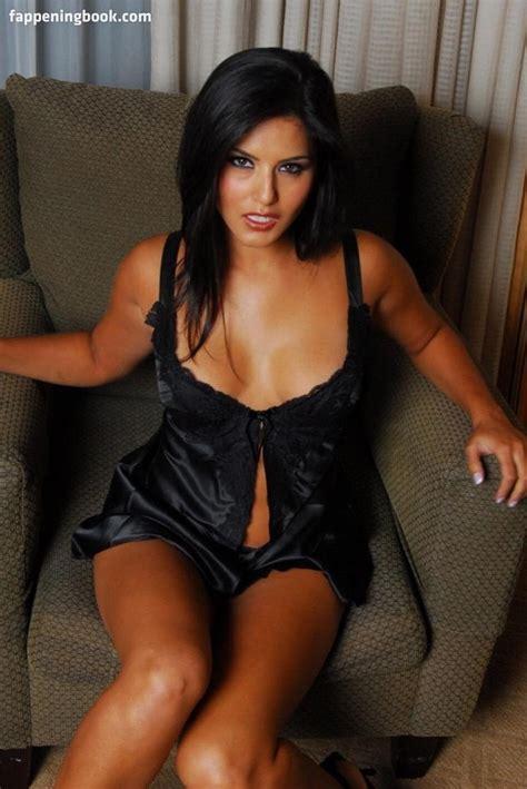 Sunny Leone Nude Sexy The Fappening Uncensored Photo