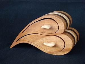 First Bandsaw Box - by WinterSun @ LumberJocks com