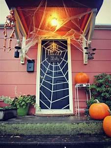 Halloween Deko Außen : 93 best haust r images on pinterest deko ideen ~ Jslefanu.com Haus und Dekorationen