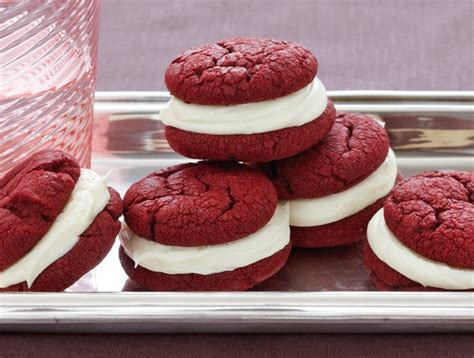 The most ridiculous vanilla cake. Recipe: Red Velvet Sandwich Cookies | Duncan Hines Canada®