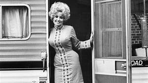 Dolly Parton's Childhood Christmas Gifts Were Simple and ...