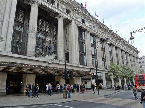 Oxford Street Guide - Top Department Stores & Shops