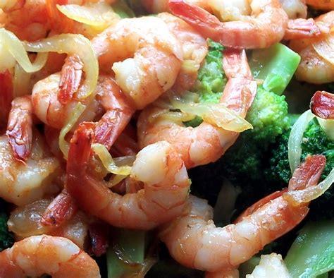 cuisiner les crevettes vientiana lao cuisine sauté de crevettes au brocolis