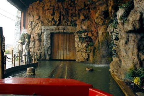 Pigeon Forge Jurassic Jungle Boat Ride Ticket Prices by The Entrance Picture Of Jurassic Jungle Boat Ride