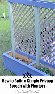How to build simple privacy planters with lattice diy for Simple and easy backyard privacy ideas
