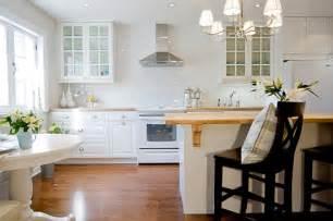 subway tile ideas for kitchen backsplash white subway tile kitchen backsplash ideas kitchenidease