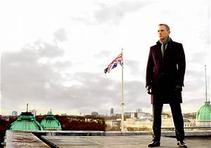 James Bond Skyfall : skyfall movie images collider ~ Medecine-chirurgie-esthetiques.com Avis de Voitures