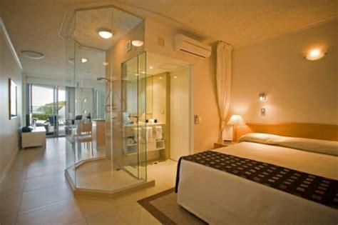 chambre avec salle de bain ouverte la salle de bains ouverte veut se populariser