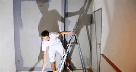 Wand überstreichen by Farbige Wand 252 Berstreichen Godoit Ch