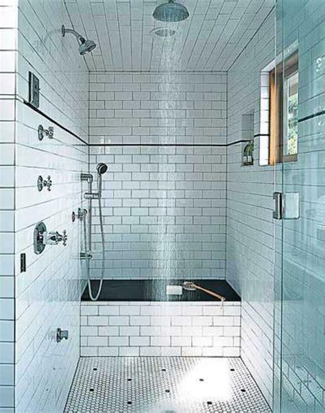 Kleines Bad Deckenhoch Fliesen by Badezimmer Mit Wei C Fen Fliesen Cool Design Moderne