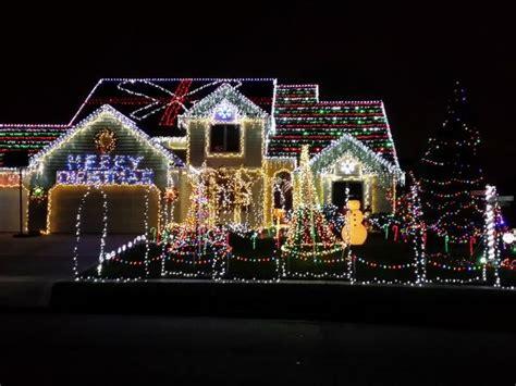 christmas light displays  fort wayne visit fort