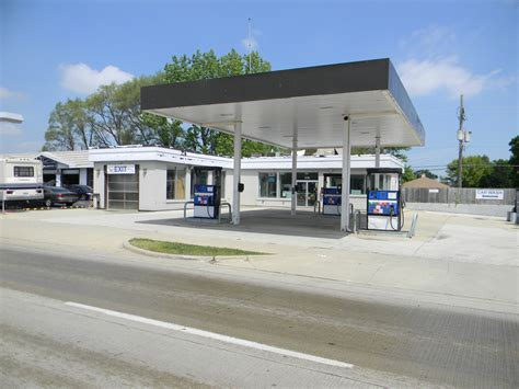 Real Estate Auction Former Gas Station & Car Wash