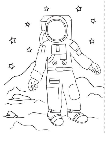 Astronot Ve Uzay Aracı Boyama Resimlere Göre Ara Red