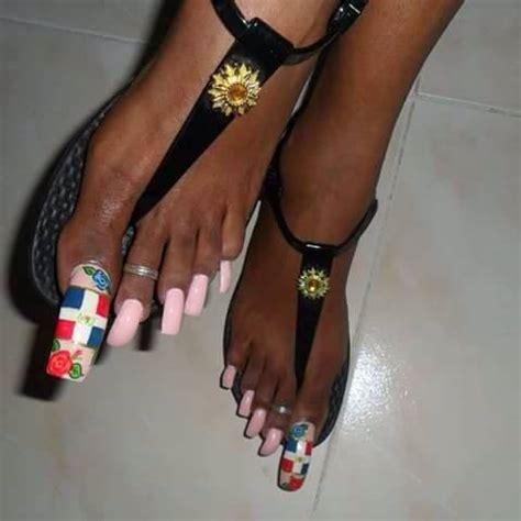 Ver más ideas sobre uñas pies, pies, calzas. Uñas largas de los pies muy maquilladas: Fotos de la extraña moda rechazada en las redes ...