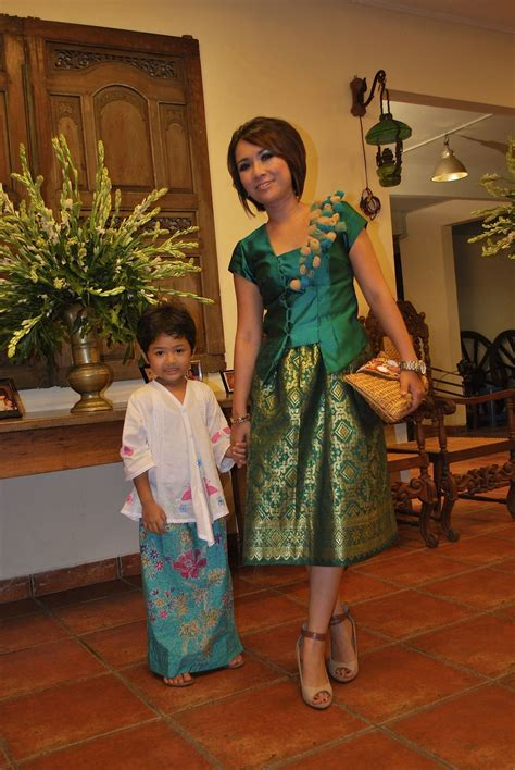 green songket dress fashion batik songket kebaya