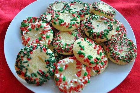 traditional christmas desserts traditional holiday desserts from around the world galletas con chochitos by no fear