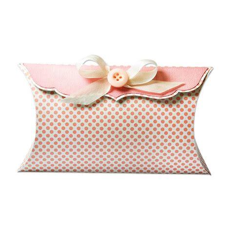 pillow box basteln sizzix big plus stanzschablone thinlits pillow box schicke geschenkbox zum stanzen