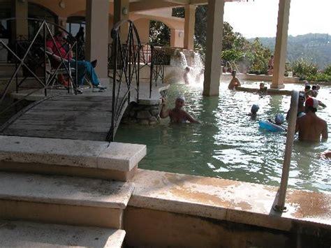 bagno vignoni piscina le due piscine termali picture of piscina val di sole